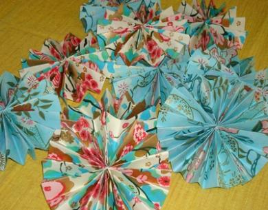 DIY Paper Rosettes